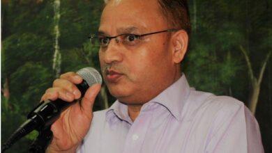 Photo of अनेसास शिखर पुरस्कार-२०७७ साहित्यकार विनोद खड्कालाई